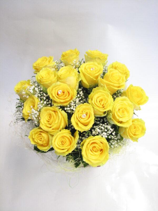Kimp kollaseid roose 35,-
